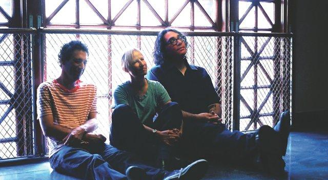 musicgateway_yolatengo.jpg.jpe