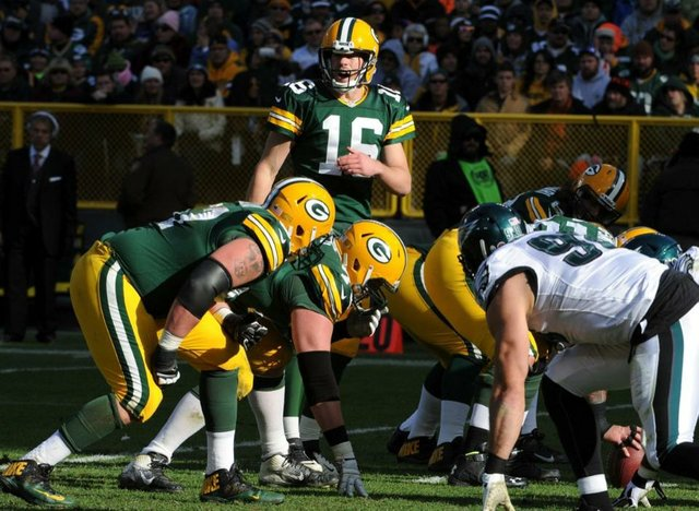 green bay packers scott tolzein philadelphia eagles 2013.jpg.jpe