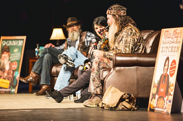 duck dynasty live phil kay si robertson riverside theater 2013.jpg.jpe