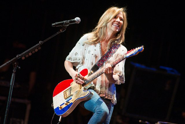 sheryl crow riverside theater milwaukee 2013.jpg.jpe