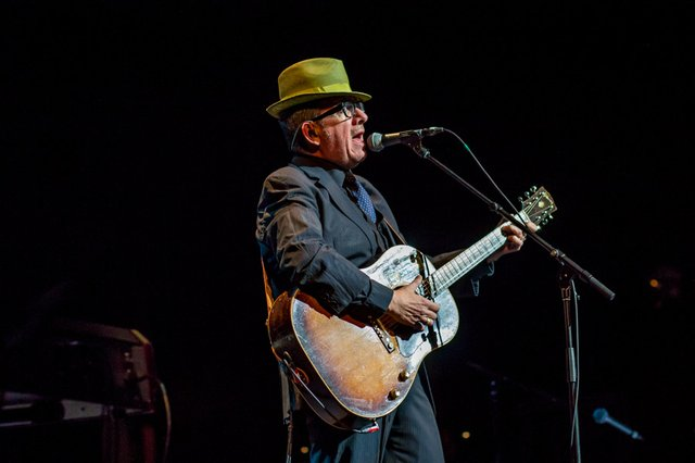 elvis costello solo live 2014 riverside theater.jpg.jpe