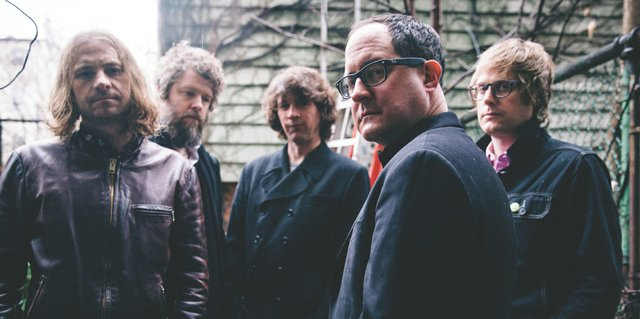 holdsteady.jpg.jpe