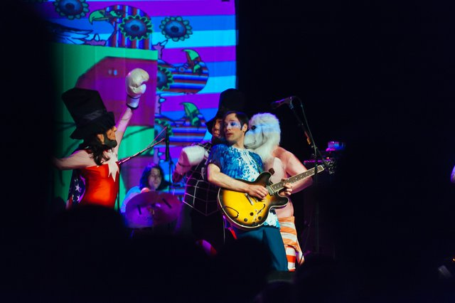 concertreview_ofmontreal.jpg.jpe
