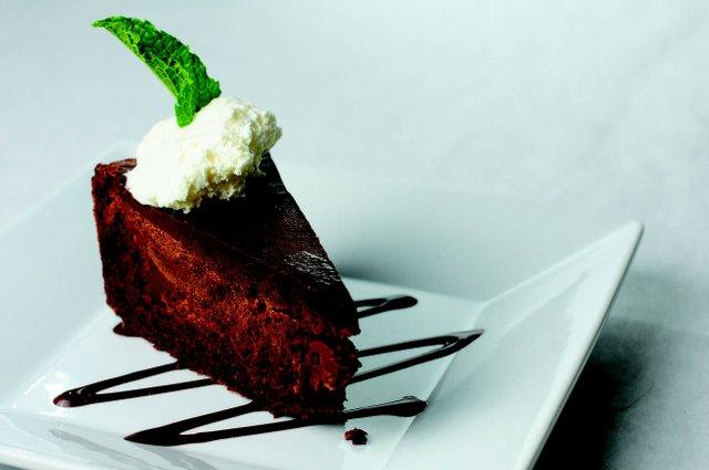 diningout_meritage_chocolatecake.jpg.jpe
