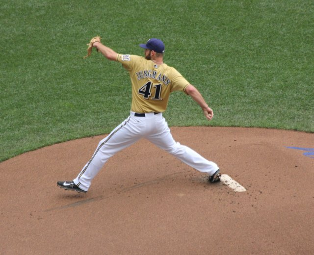 taylor_jungmann_stretch_june142015.jpg.jpe