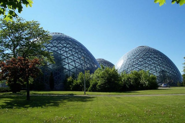 mitchell_park_horticultural_conservatory.jpg.jpe