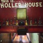 hollerhouse.jpg.jpe