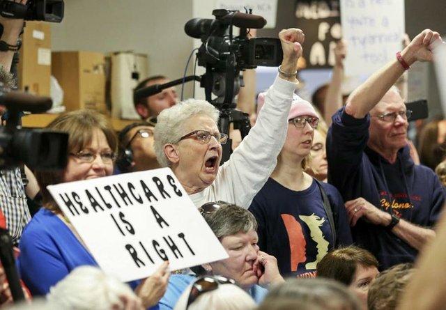 healthcareprotests.jpg.jpe