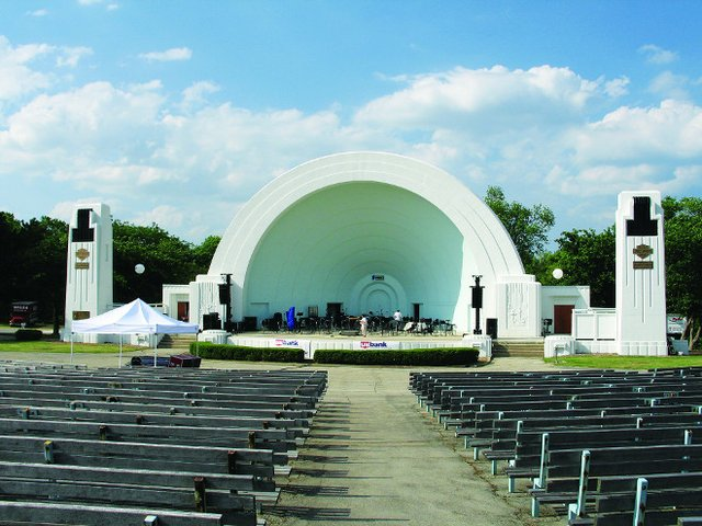 washingtonparkbandshell.jpg.jpe