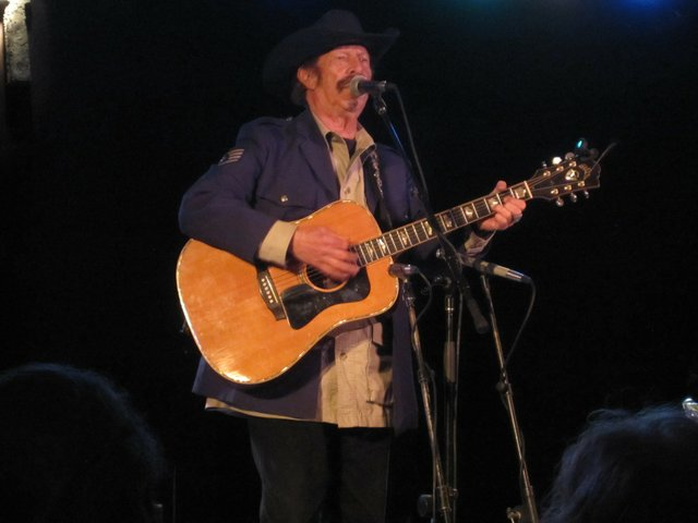 kinky friedman may 2 milwaukee.jpg.jpe