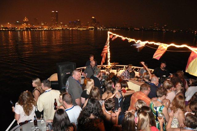 party boat.jpg.jpe