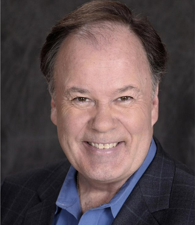 mr. belding dennis haskins milwaukee brewers.jpg.jpe