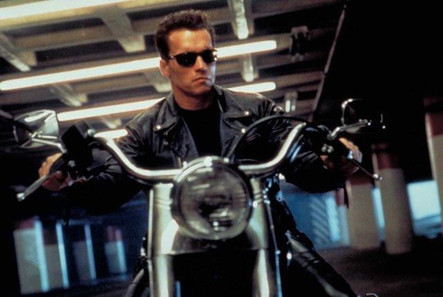 terminator 2 arnold fatboy motorcycle.jpg.jpe