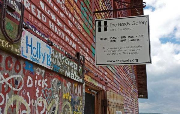 2013-08-07-13-23-46-hardy-gallery-doco.18613.widea.0.jpg.jpe