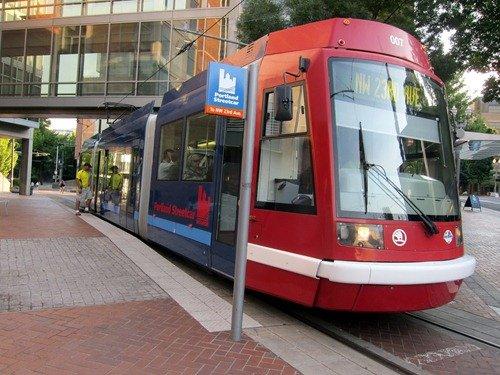 streetcar portland.jpg.jpe