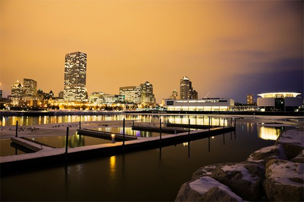 aroundmke_holidaymilwaukee.jpg.jpe