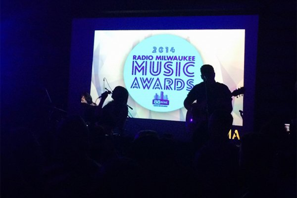 onmusic_gollddatradiomilwaukeeawards.jpg.jpe