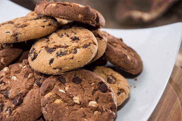 aroundmke_cookiecontestsale.jpg.jpe
