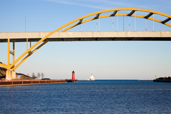 aroundmke_hoanbridge.jpg.jpe