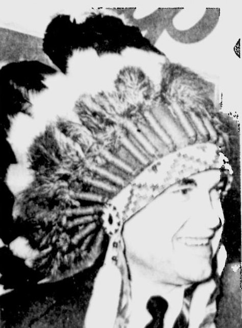 wallace+headdress.jpg.jpe