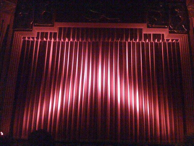 curtainsclosed.jpg.jpe