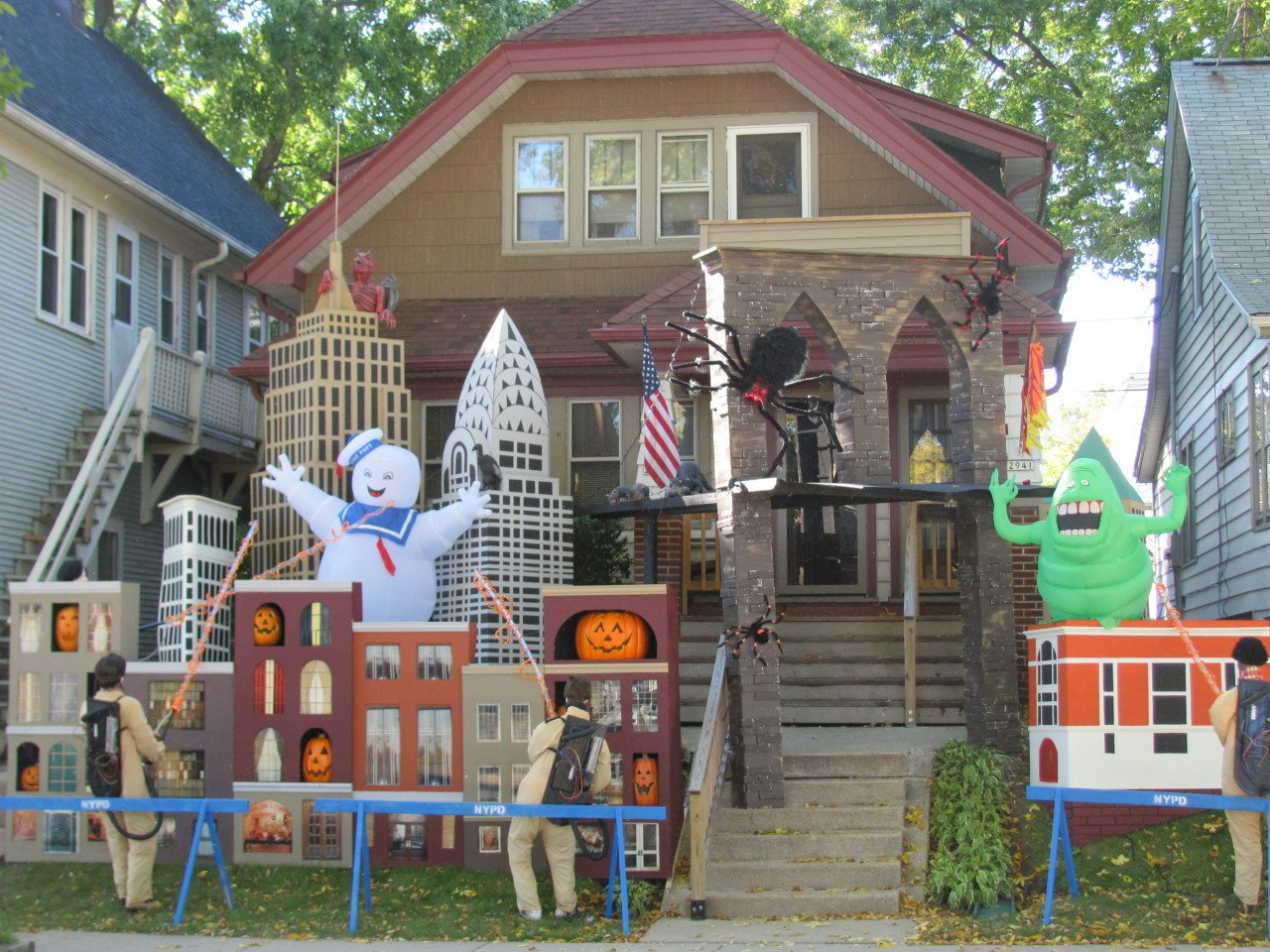 Bay View Is The Halloween Decoration Capital Of Milwaukee This Year