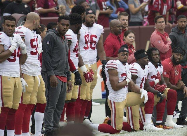 49ersKneeling.jpg