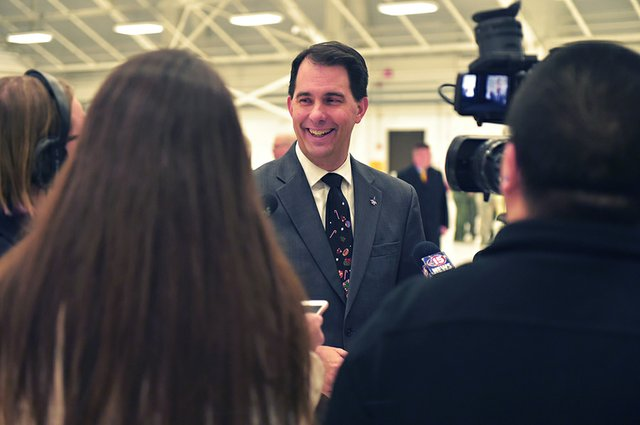 Scott-Walker_Wi_National_Guard.jpg