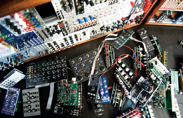 Modular Addict Helps Musicians Build One-of-a-Kind, DIY Synthesizers