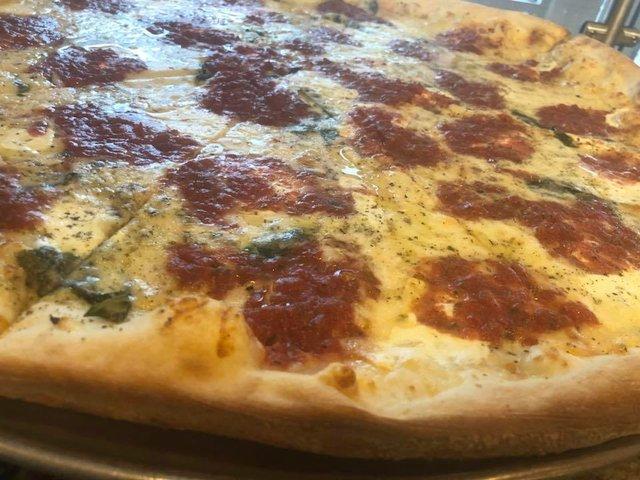 PizzaDiFamiglia.jpg