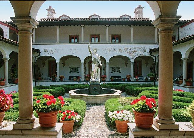 villa-terrace-ecorative-arts-museum-5.jpg