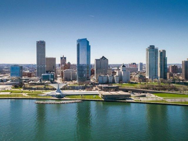 MilwaukeeSkyline.jpg