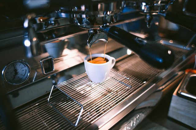cafe-coffee-coffee-cup-373948.jpg