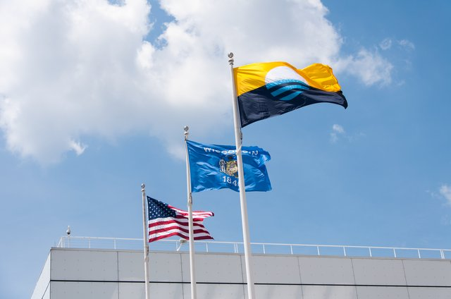 Milwaukee Flag - Discovery World.png