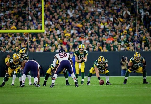 PackersBearsEvanSiegle.jpg