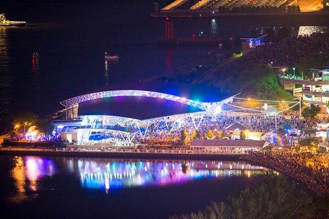 Aerial BMO Harris Pavilion.jpg