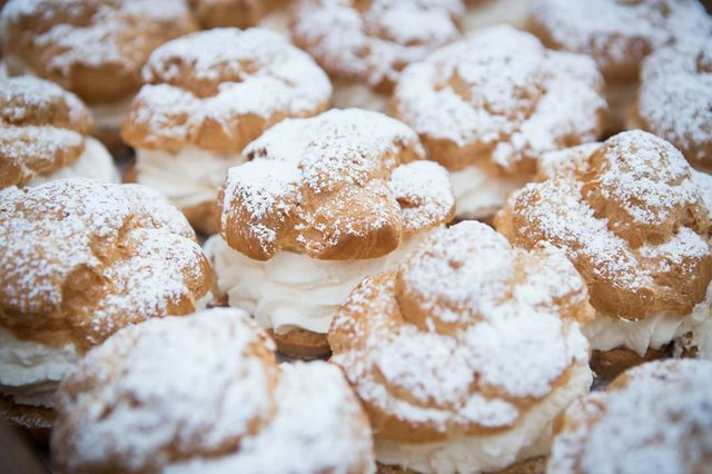 Eating Our Way Through Wisconsin Film_18 >> Wisconsin State Fair Cream Puff Season Is Nearly Upon Us Shepherd