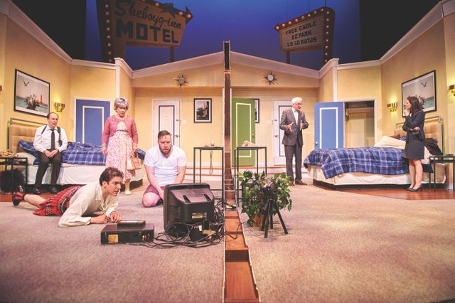 Unnecessary Farce' Showcases Outrageous Accents, Midwestern