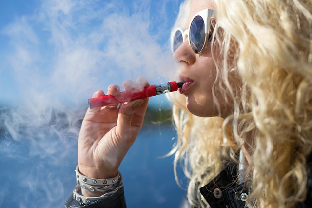 Cannabis_vaping.jpg