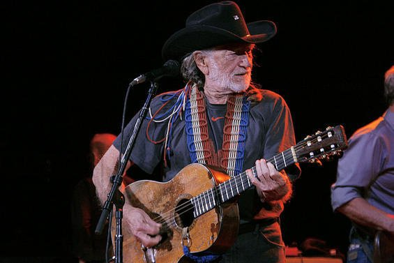 review-willie-nelson-at-red-rocks-6-21-2011-3.jpg