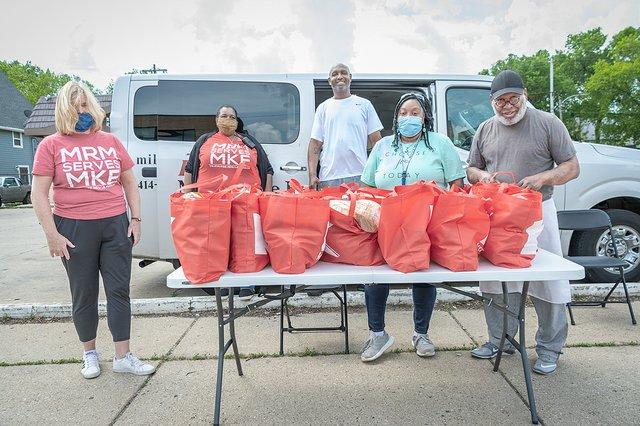 Milwaukee Rescue Mission Volunteers  by Tom Jenz.jpg