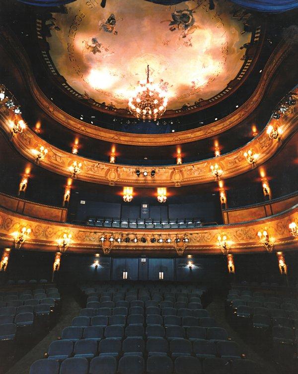 Skylight-Music-Theatre's-Cabot-Theatre-(Skylight-Music-Theatre)_4.jpg
