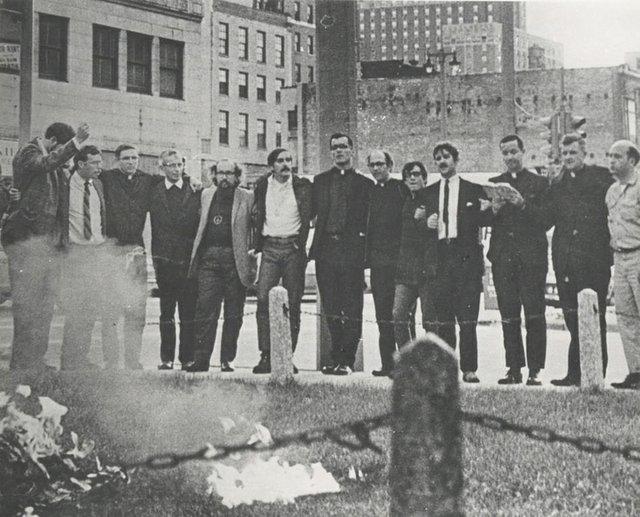Father-James-Groppi-March-(MilwaukeeCountyHistoricalSociety)_1.jpg