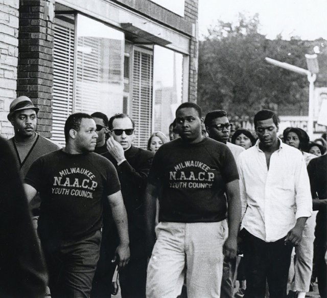 Father-James-Groppi-NAACP-March-(MilwaukeeCountyHistoricalSociety)_2.jpg
