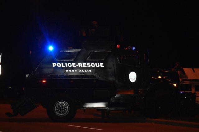 News_PoliceVEhicleWauwatosa_(QuinnClark).jpg