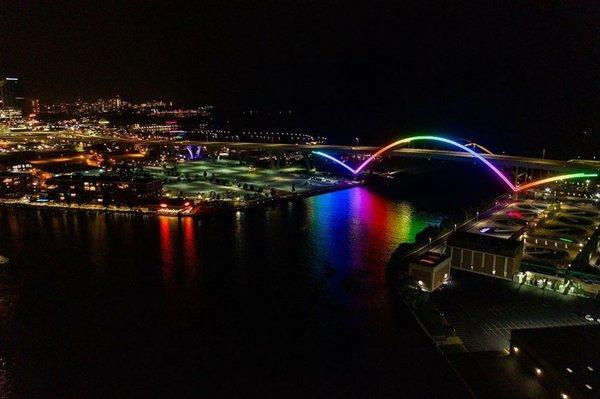 Hoan Bridge by Brian Slawson.jpg