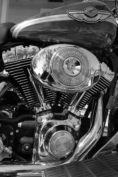 398px-Harley_Davidson.jpg