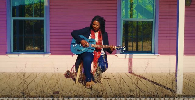Ruthie Foster via website.png