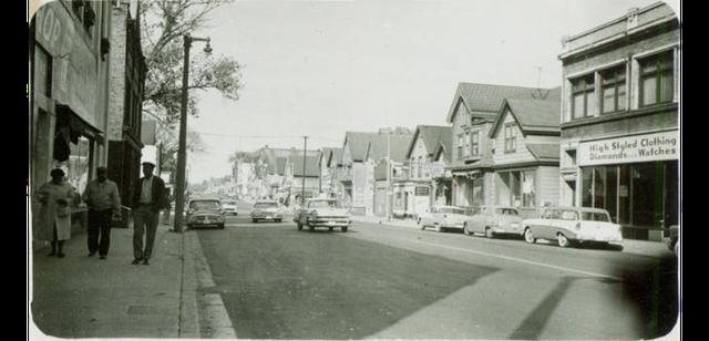 Walnut Street via Milwaukee Public Library.png