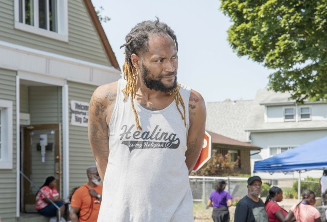 Ajamou Butler Heal The Hood Activist  Milwaukee  photo by Tom Jenz.jpg